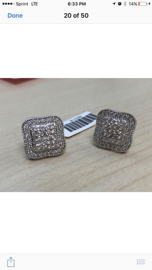 Diamond earring for Sale in Goodlettsville, TN
