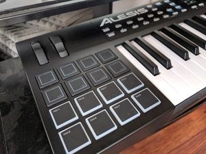 •Alesis VX49 MIDI Keyboard• 🎹 OBO for Sale in North Miami Beach, FL