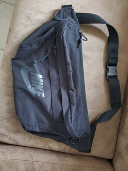 Nike Tech Hip Bag for Sale in Portland,  OR