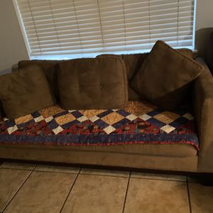Brown Couch for Sale in Miami, FL