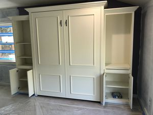 Murphy Bed with cabinets and bookshelves for Sale in Los Angeles, CA