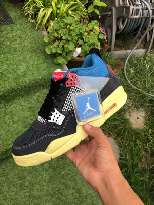 JORDAN 4 size 9 for Sale in Long Beach, CA