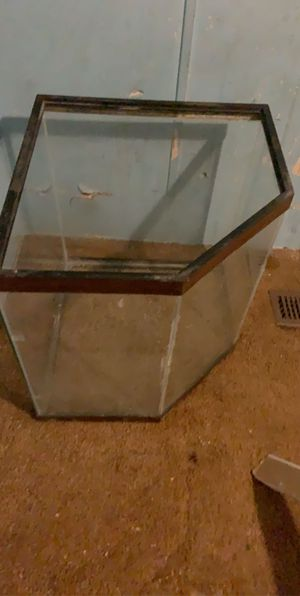 Fish tank for Sale in Martinsburg, WV