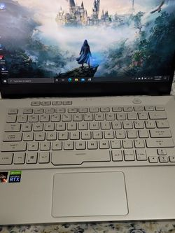 Asus ROG Zephyrus G14 Gaming Laptop with Dualsense Controller for Sale in Camden,  NJ