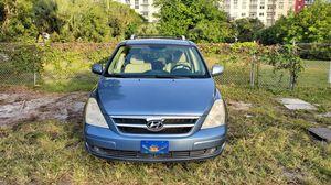 Minivan 7-seater, Hyundai Entourage GLX, 2007 for Sale in Fort Lauderdale, FL