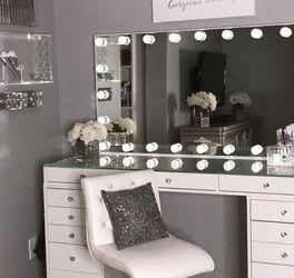 Glamorous Vanity for Sale in Miami,  FL