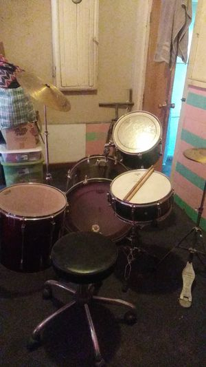 5 piece Pearl Drum set for Sale in La Habra Heights, CA