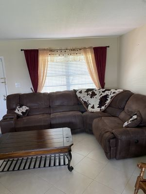 !!!!!!Ranch/Country style living room sectional couch with 3 recliners, center table and fireplace. All you need to decorate your living room country for Sale in Miami, FL
