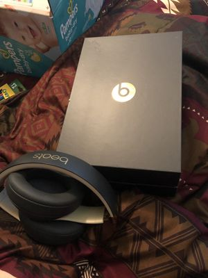Beats Studio Wireless Headphones for Sale in Minneapolis, MN