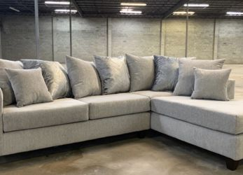 NEW IN BOX - Beautiful Grey Thick Fabric Sectional with ALOT of Accent Pillows 👑 for Sale in Katy,  TX