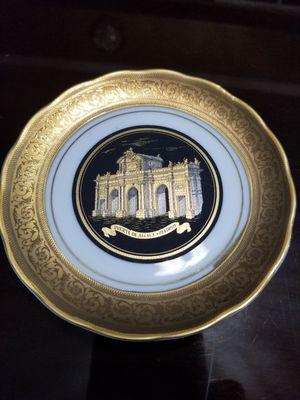 Gold Puerta de Alcada Madrid Plate Vintage for Sale in Miami, FL