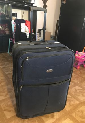 Suitcase for Sale in El Monte, CA