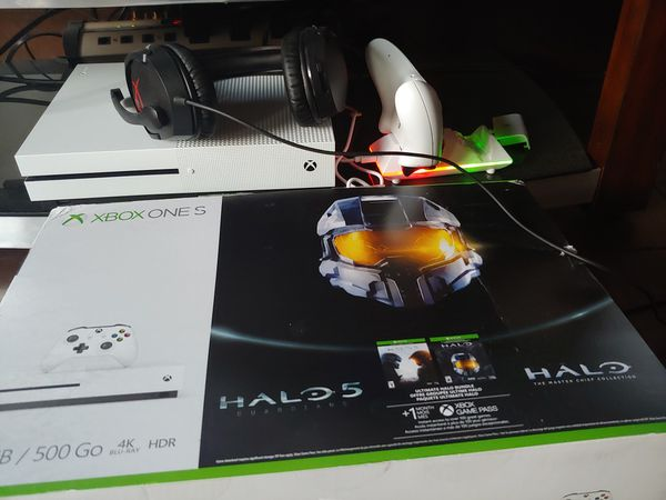 Xbox One S Halo 5/Master Chief Collection