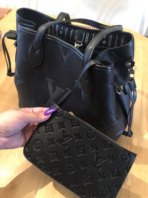 Louis Vuitton bag for Sale in Midwest City, OK