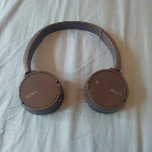 Sony wireless headset for Sale in Keizer, OR