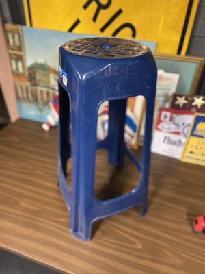 Plastic stool for Sale in Garfield Heights, OH