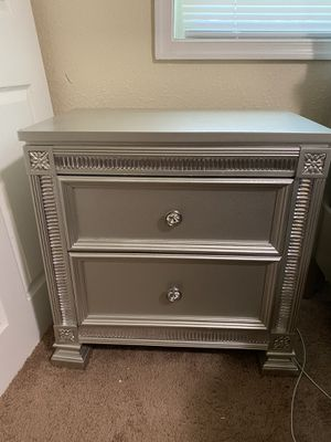 Silver Bedroom Set w/Mattress and Box Spring for Sale in Fort Washington, MD