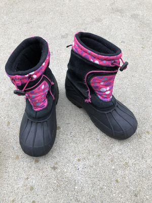 Girls snow boots (pink/black) size 4-5 for Sale in RUSCMBMNR Township, PA