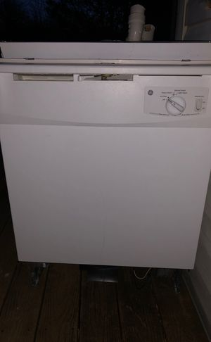 GE dishwasher, white very good condition for Sale in Alexandria, VA