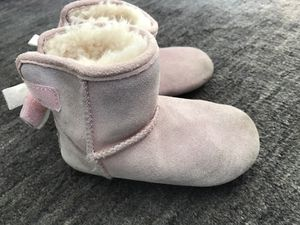 Ugg boot pink girls toddler size 5.5-6 super warm for Sale in Burke, VA