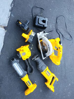 DeWalt set including power tools with batteries and charger $120 EVERYTHING for Sale in Las Vegas, NV