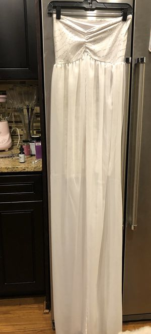 Beautiful whiteMaternity photo shoot dress for Sale in Mableton, GA