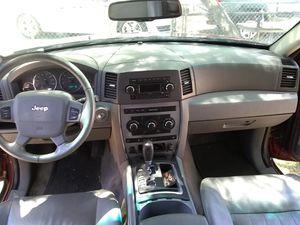 Jeep Grand cherokee 2007 160k millas titulo limpio solo 2 dueños y el último por 8 años lo conservo for Sale in Glendale, AZ