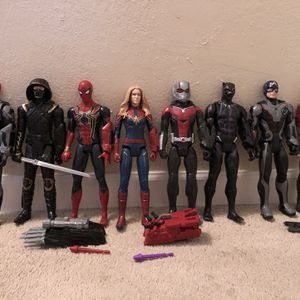 Marvel Avengers 8 Titan Hero Series Action Figures With Titan Power FX for Sale in Concord, CA