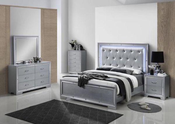 Brand new queen size bedroom set $1099