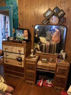 Antique dresser and vanity for Sale in Tacoma, WA