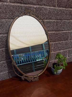 Beautiful Vintage Oval Mirror for Sale in Las Vegas, NV