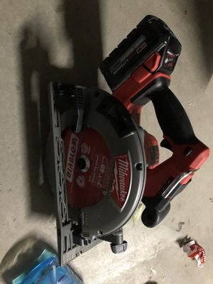 Milwaukee sidewinder saw with 8.0 high output battery for Sale in Escalon, CA