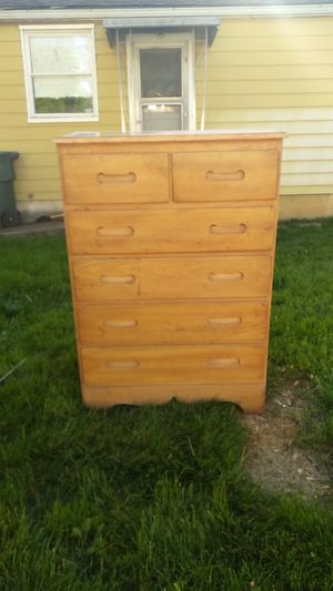 6 Drawer Wooden Chest Dresser for Sale in Columbus, OH