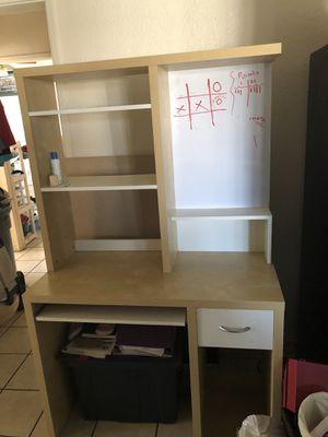Desk good condition 👌 for Sale in Chula Vista, CA