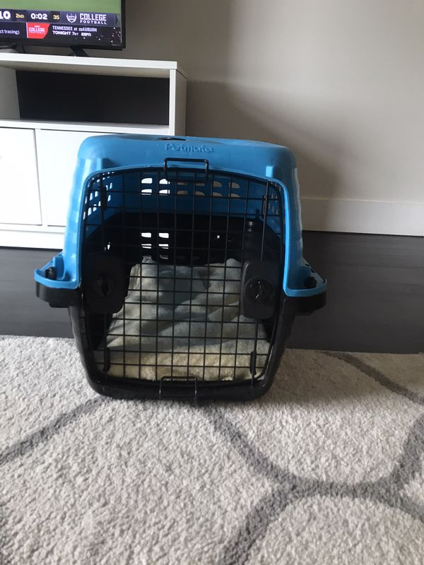 Pet/Dog Crate (Petmate)