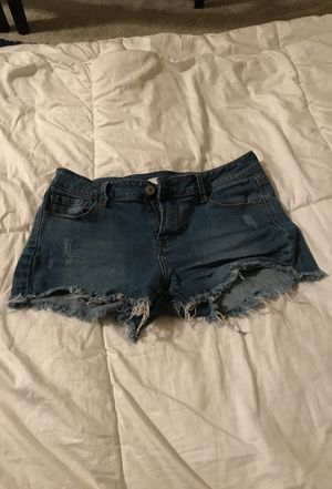 Denim short shorts medium wash fringe hem for Sale in Cape Coral, FL