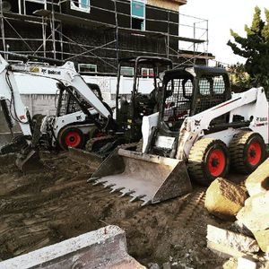 Machines, escavator for Sale in HUNTINGTN BCH, CA