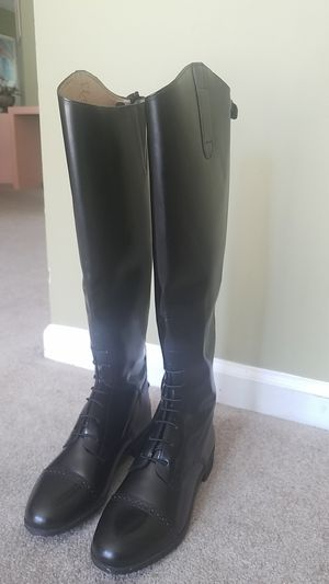 Saxon ladies syntovia tall boots. for Sale in Woodstock, GA