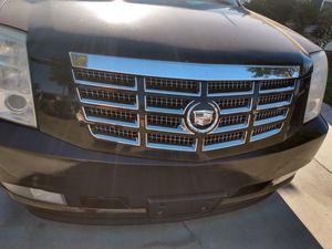 Escalade only needs a dash board ..2008clean title . for Sale in Artesia, CA