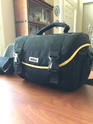 Nikon D40x w/ 18-55 f3.5-5.6 & 55-200 f4-5.6 for Sale in Austin, TX
