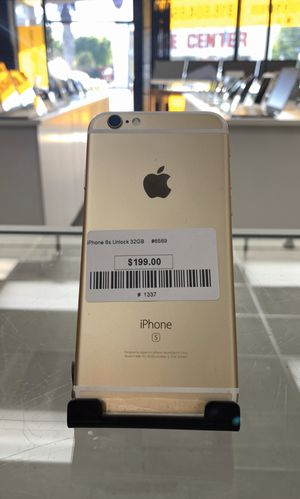iPhone 6s - 32GB Storage- gold - Unlock and works with all carriers- including charger and warranty for Sale in Los Angeles, CA