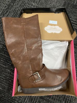Charlotte Russe brand new in the box tags attached zippered brown boots size 10 for Sale in Fort Lauderdale, FL