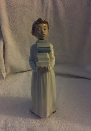 Lladro Boy Holding Books Figurine for Sale in Los Angeles, CA