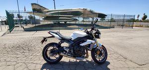 2013 Triumph street triple 675 $4,900 OBO for Sale in Tulare, CA