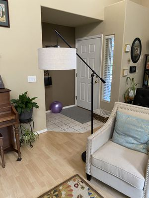 Large floor lamp for Sale in Tigard, OR
