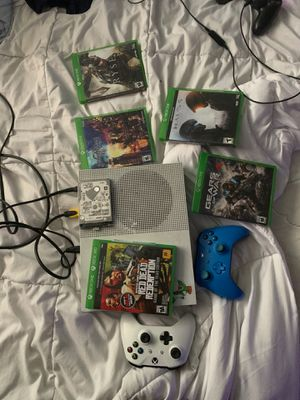 Xbox One S with an extra 500 gb memory for Sale in Pasadena, TX