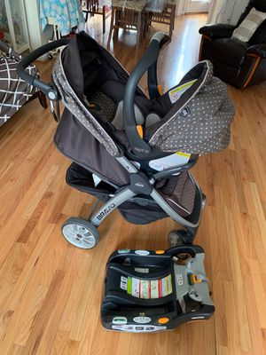 Chicco Bravo Travel System keyfit 30 for Sale in Germantown, MD