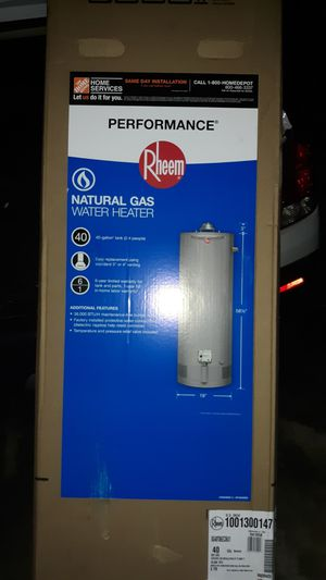 Gas water heater rheem for Sale in Cleveland, OH