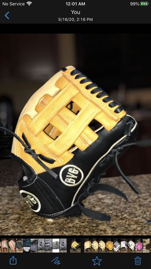 Baseball Glove for Sale in Las Vegas, NV
