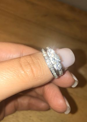 Engagement ring and wedding band set for Sale in Yalesville, CT